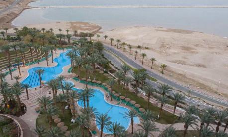 Pesach Vacation at the Dead Sea with OU Israel and Tour Plus