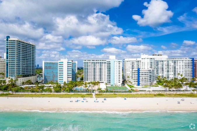 Pesach Program 2021 private suites and private catering on Miami Beach with Lasko Getaways