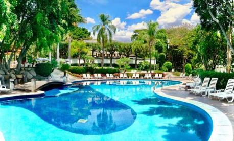 Luxury Passover Program 2022 in Mexico