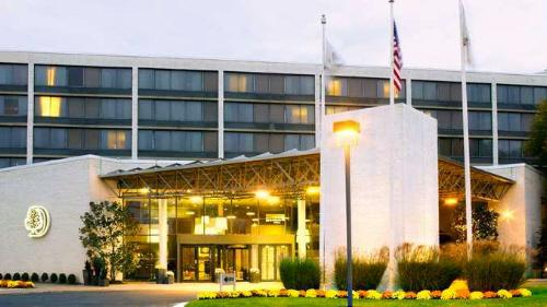 Pesach at Hilton Doubletree Somerset, NJ - only 40 minutes from Midtown Manhattan