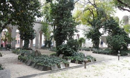 Mass Jewish Grave - Dohany Synagogue