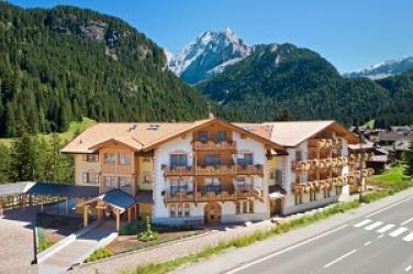 Glatt kosher summer vacation in the Italian Alps with Avi and Belinda Netzer