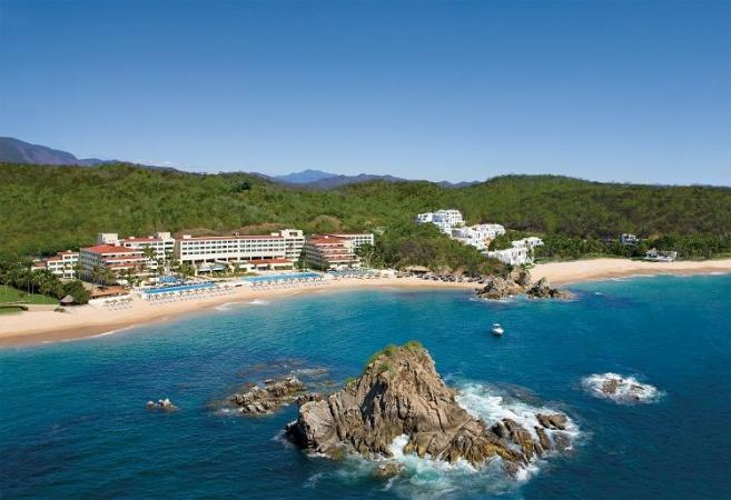 Pesach Program 2022 in Mexico  At Dreams Huatalco Resort & Spa  by Le Voyage Kosher Vacations